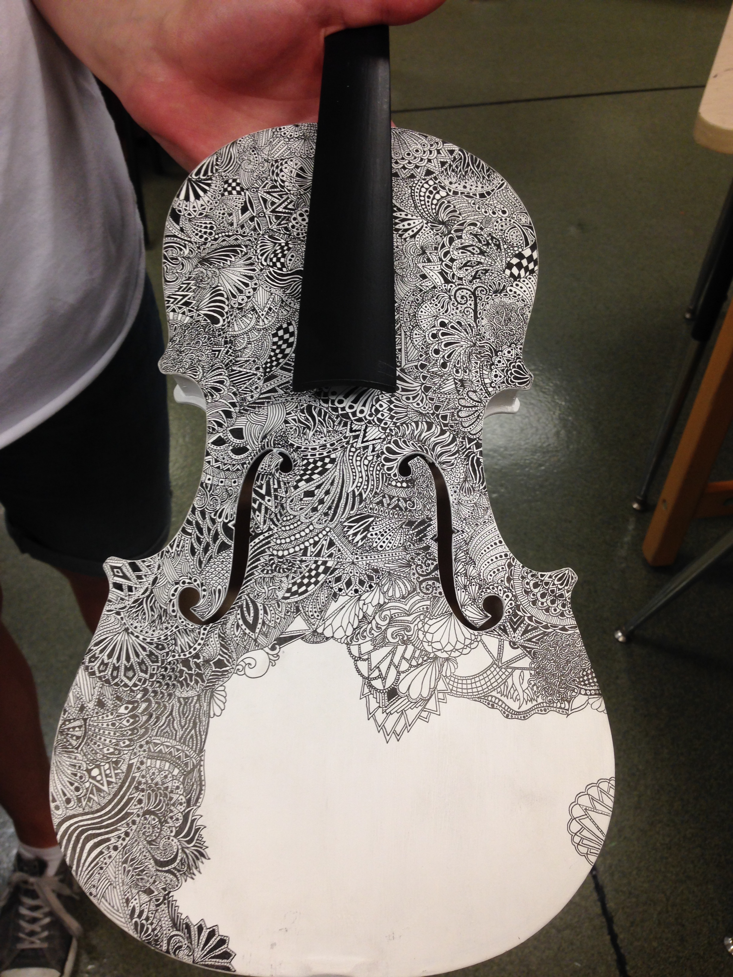 zentangle on violin